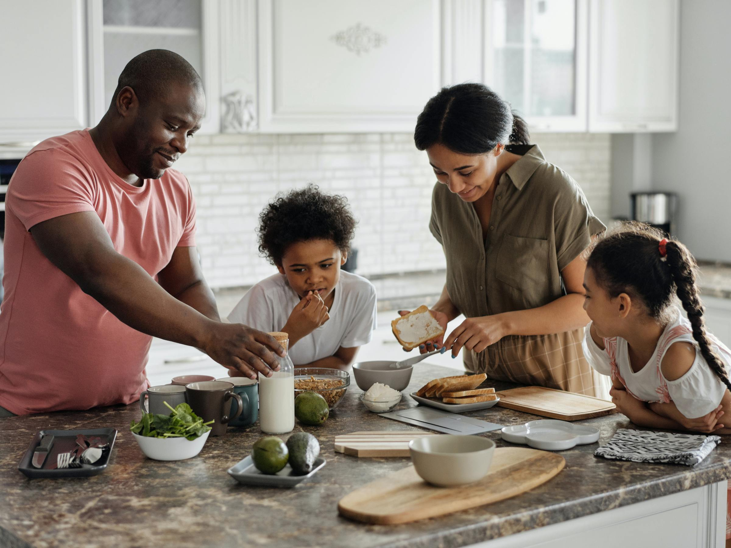 Cooking With Kids as a Family from Pexels by August de Richelieu